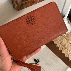 New Tory Burch large wallet 🍁